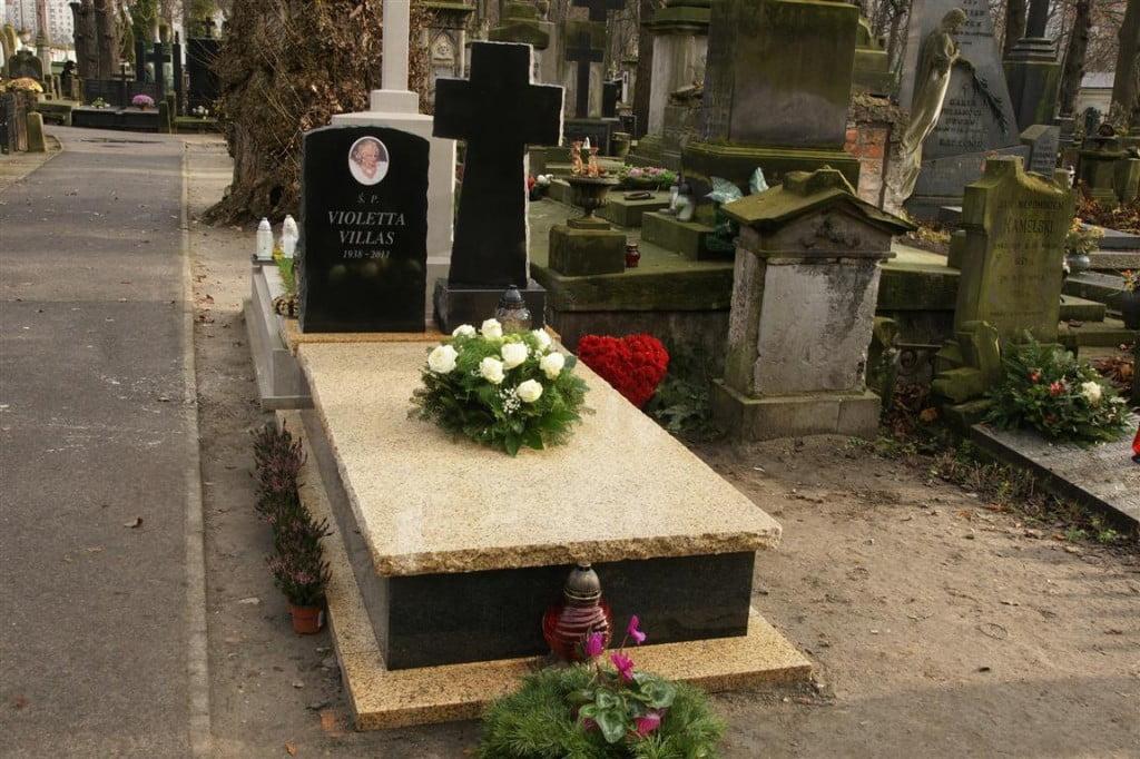 pogrzeb - Nagrobek Violletty Villas